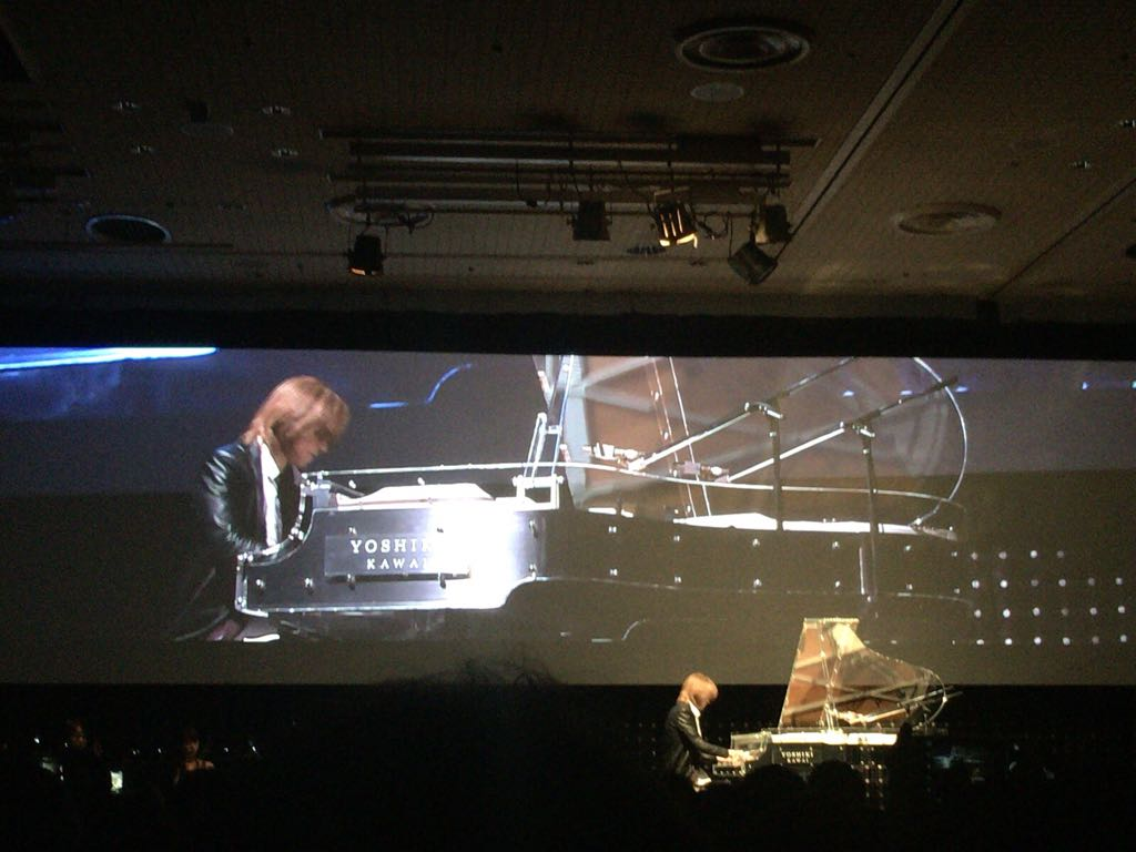 生演奏! #YOSHIKI #NEST2016 https://t.co/LKp7J3iZoc