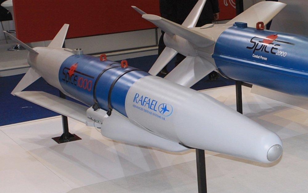 اسرائيل ستدمج قنابل Spice الاسرائيليه على متن مقاتلات F-35 I الاسرائيليه  Cfc-JTnWIAE8shY