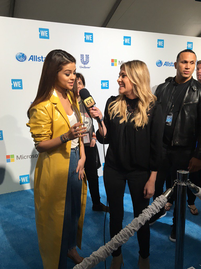 Good morning @selenagomez! #WEDay California cant wait to jam out with you! #AOLGivesBack https://t.co/C2GaHiSTNi