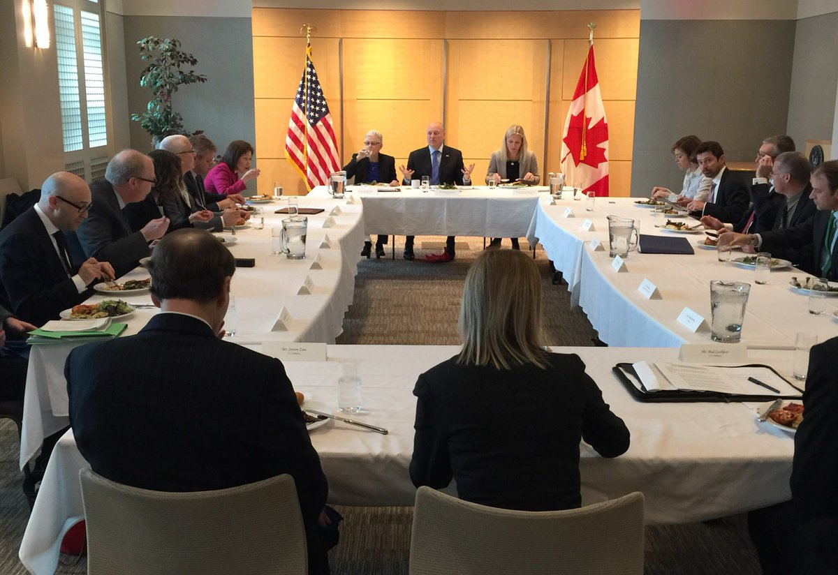 With @GinaEPA and energy sector leaders discussing #GHG emissions from oil & gas sector @usembassyottawa https://t.co/kuM43bEIva