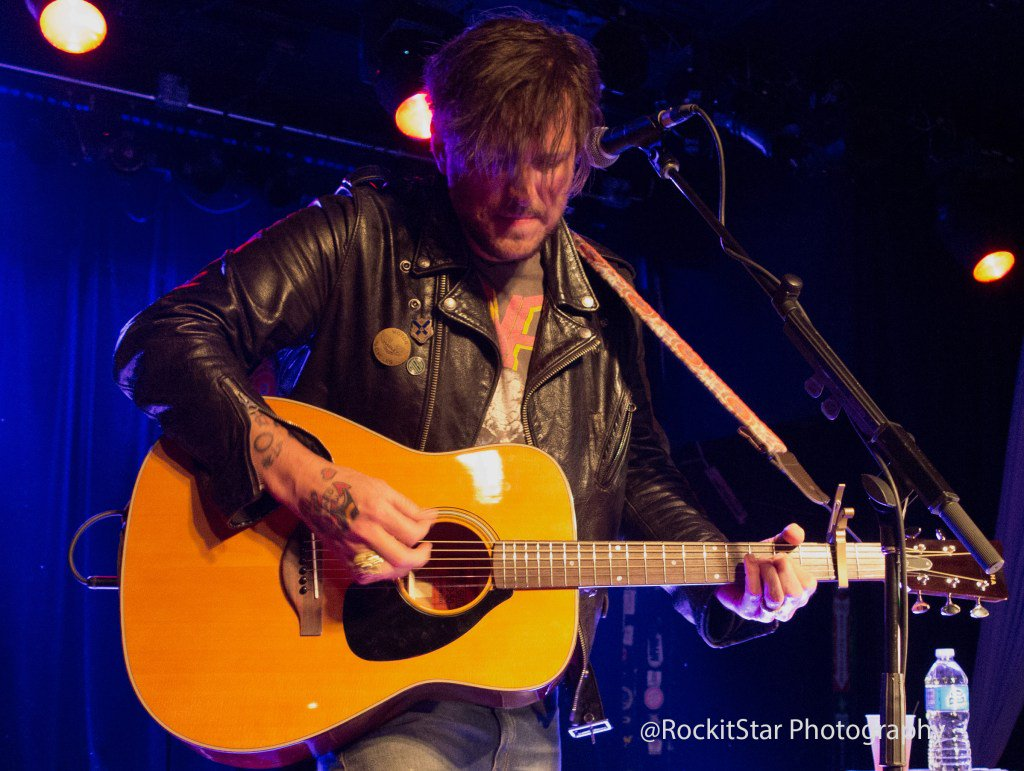 Butch Walker Plays Surprise Show @ Smith's Olde Bar 04/05/16 https://t.co/7cX0unEjtA https://t.co/DztzTt8uKK
