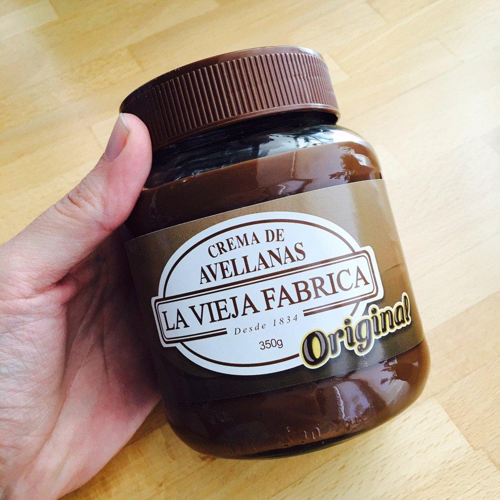 Yo soy + de @LaViejaFabrica RT @ElComidista: Nocilla o Nutella? El dilema de @mikeliturriaga https://t.co/6dlDKICE56 https://t.co/pAxA7kpcA6