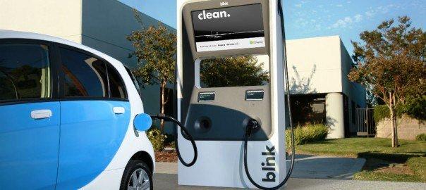 Rivoluzione ambientale in Olanda: dal 2025 addio alle auto a benzina