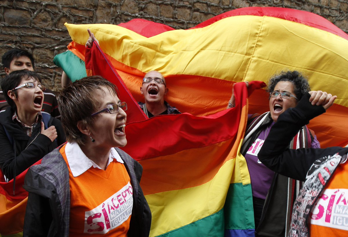 BREAKING: Colombia's highest court says same-sex couples can marry.pic.twit
