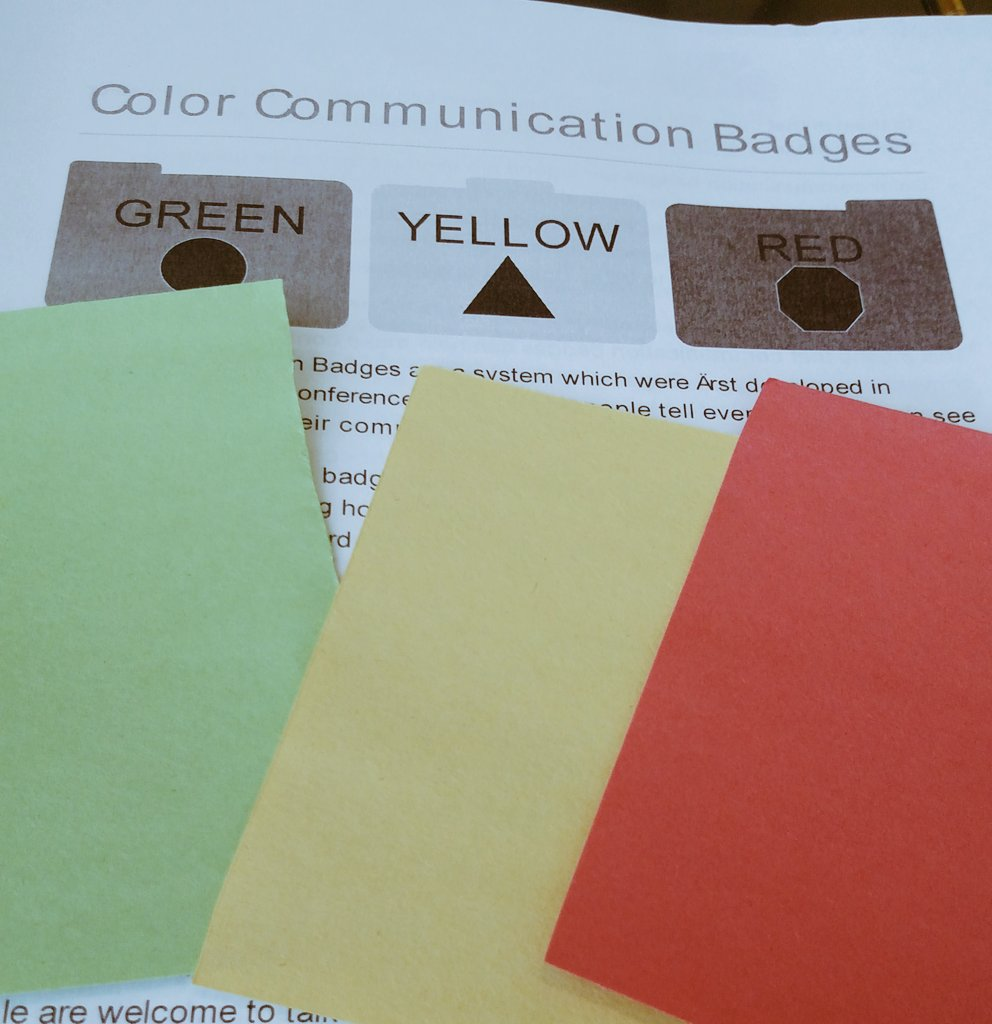 Got my color communication badges from the #4c16access table! Panel prepping, so setting myself to red. #4c16 #dis https://t.co/pdrkM59V4w