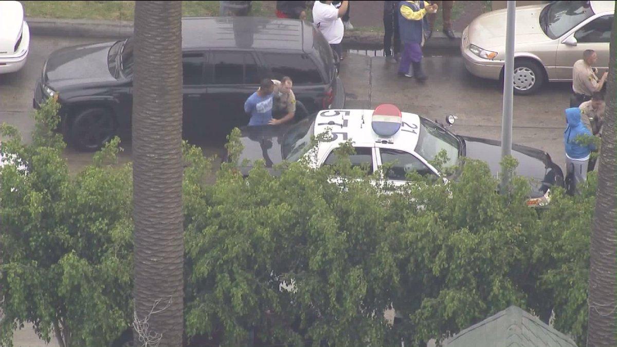 .@LASDHQ just rolled in, driver & passenger voluntarily taken into custody https://t.co/87OG50ucwf