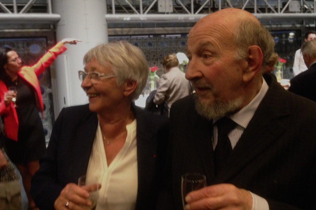 Béatrice Giblin et Yves Lacoste fêtant en 2016 les 40 ans de la revue de géopolitique et de géographie
