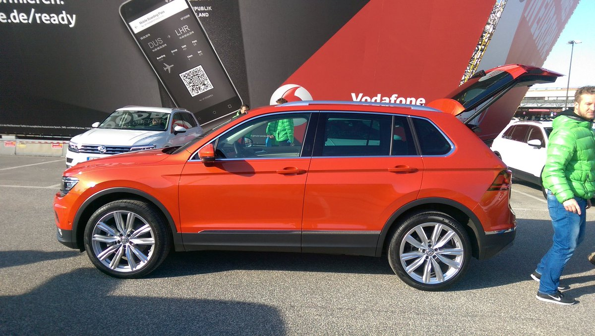 andrew brady on twitter vw tiguan in habanero orange. Black Bedroom Furniture Sets. Home Design Ideas