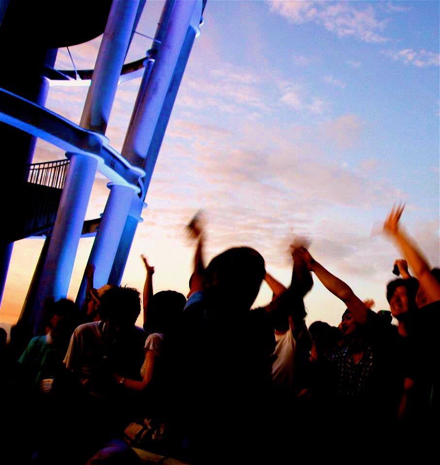 【2016.05.21 SunsetLounge予約開始】 暖かくなってきましたね。  江ノ島で皆様と会えるのを楽しみにしてます!  予約開始しました。 お友達に教えてあげてください。 https://t.co/rCuxJAOGeo https://t.co/sFvFY9vjHT