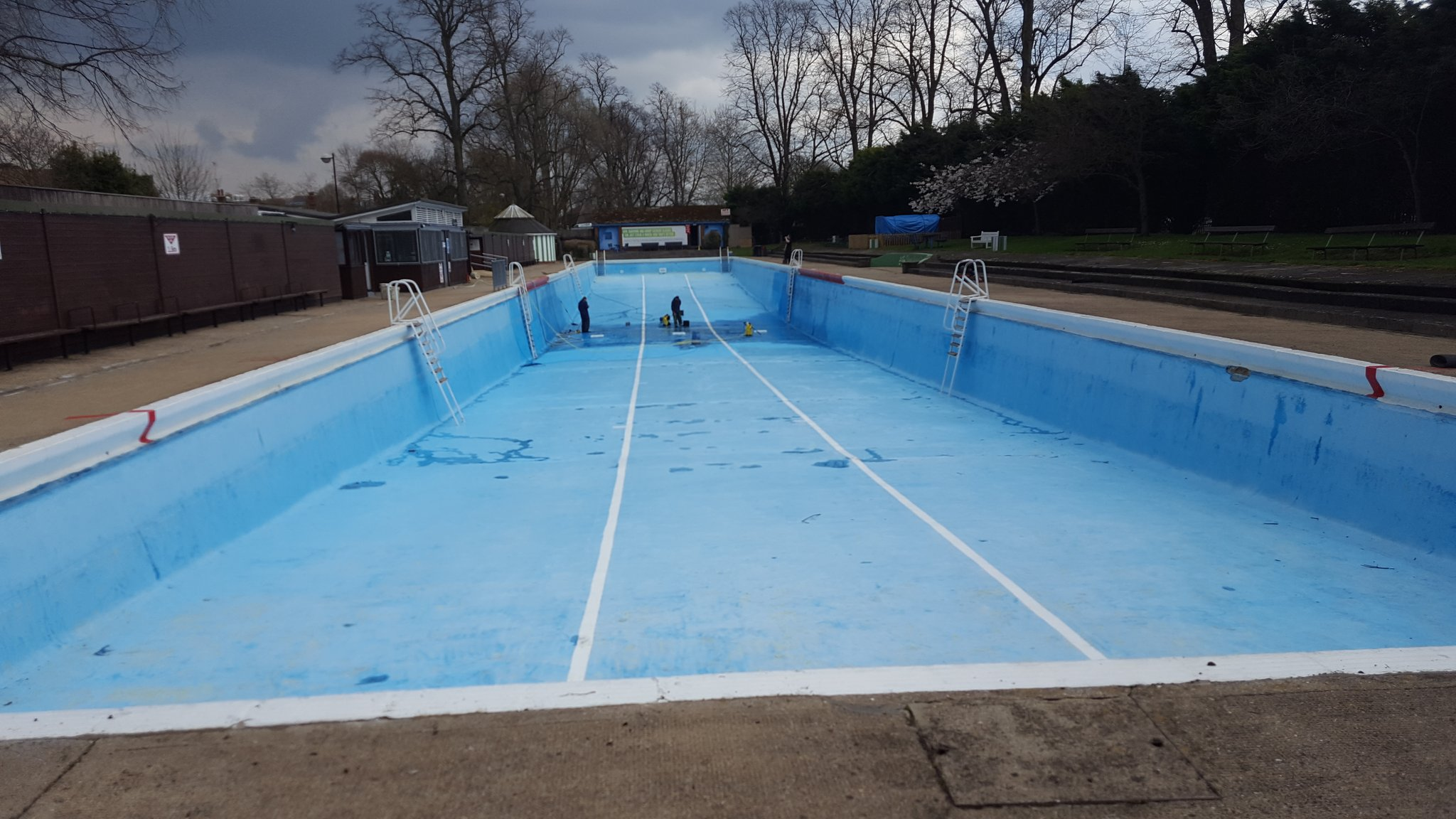 Jesus Green Lido On Twitter The Pool Is Finally Drained And Almost Cleaned Next Step Painting