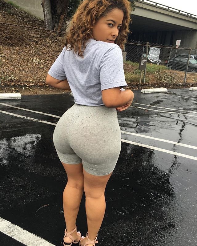Curvy hipped thick tighs bikini miniskirt