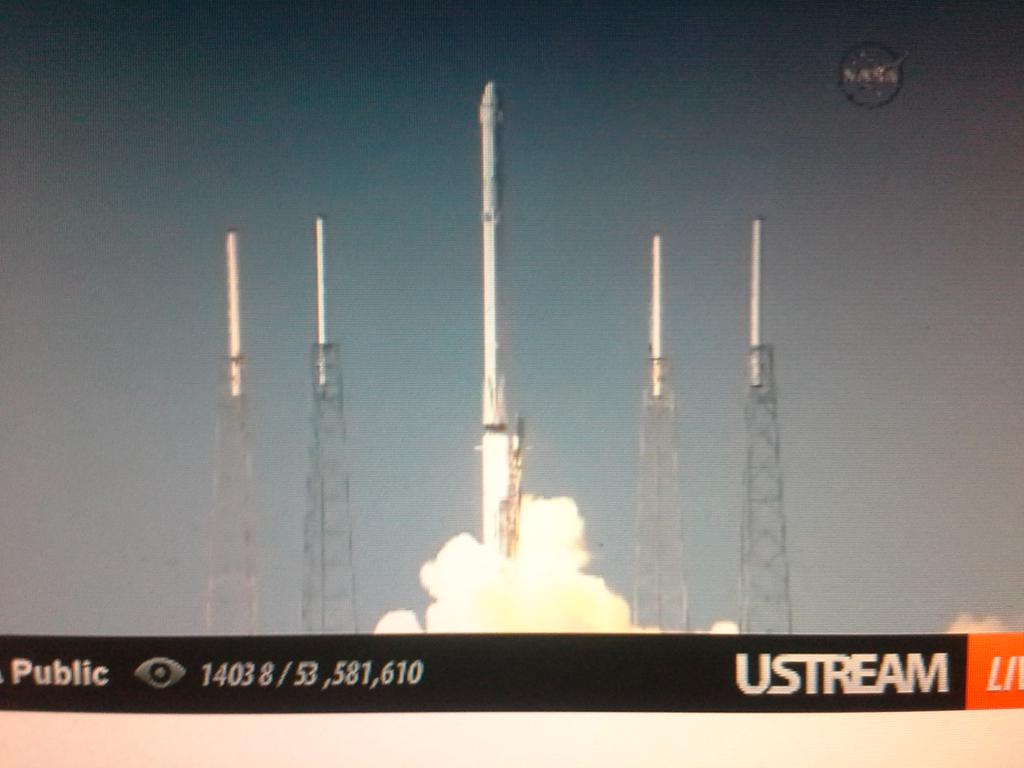 Aannnnd LIFTOFF!! https://t.co/ZW5MFom94O
