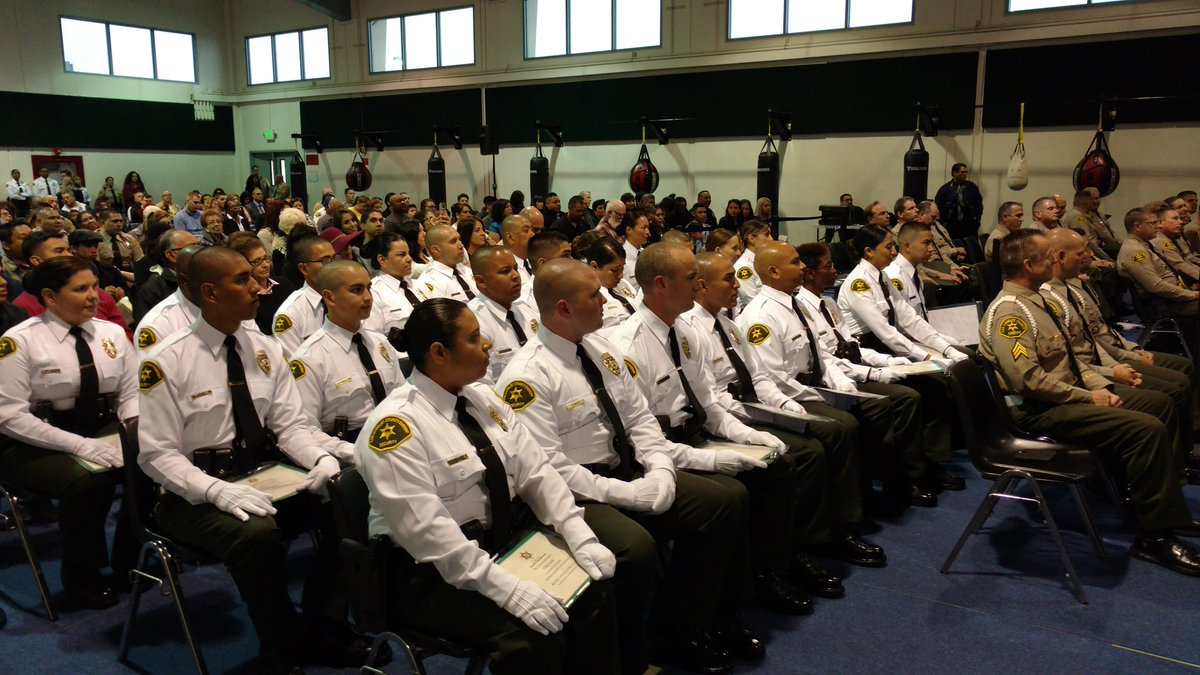 la county sheriffs on twitter lasd security officer academy graduation class 41 receiving their certificates