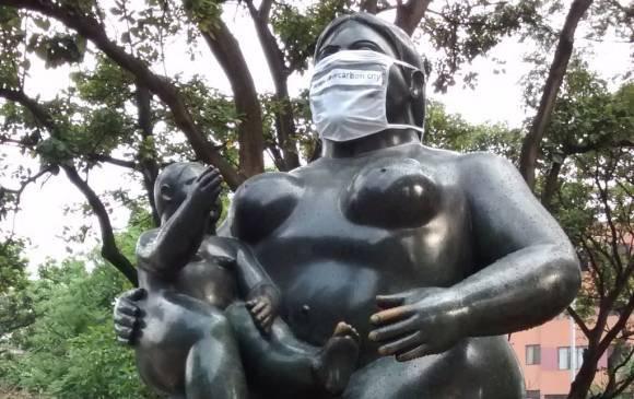 Tappa bocca sulle Statute di Botero a Medellín Colombia