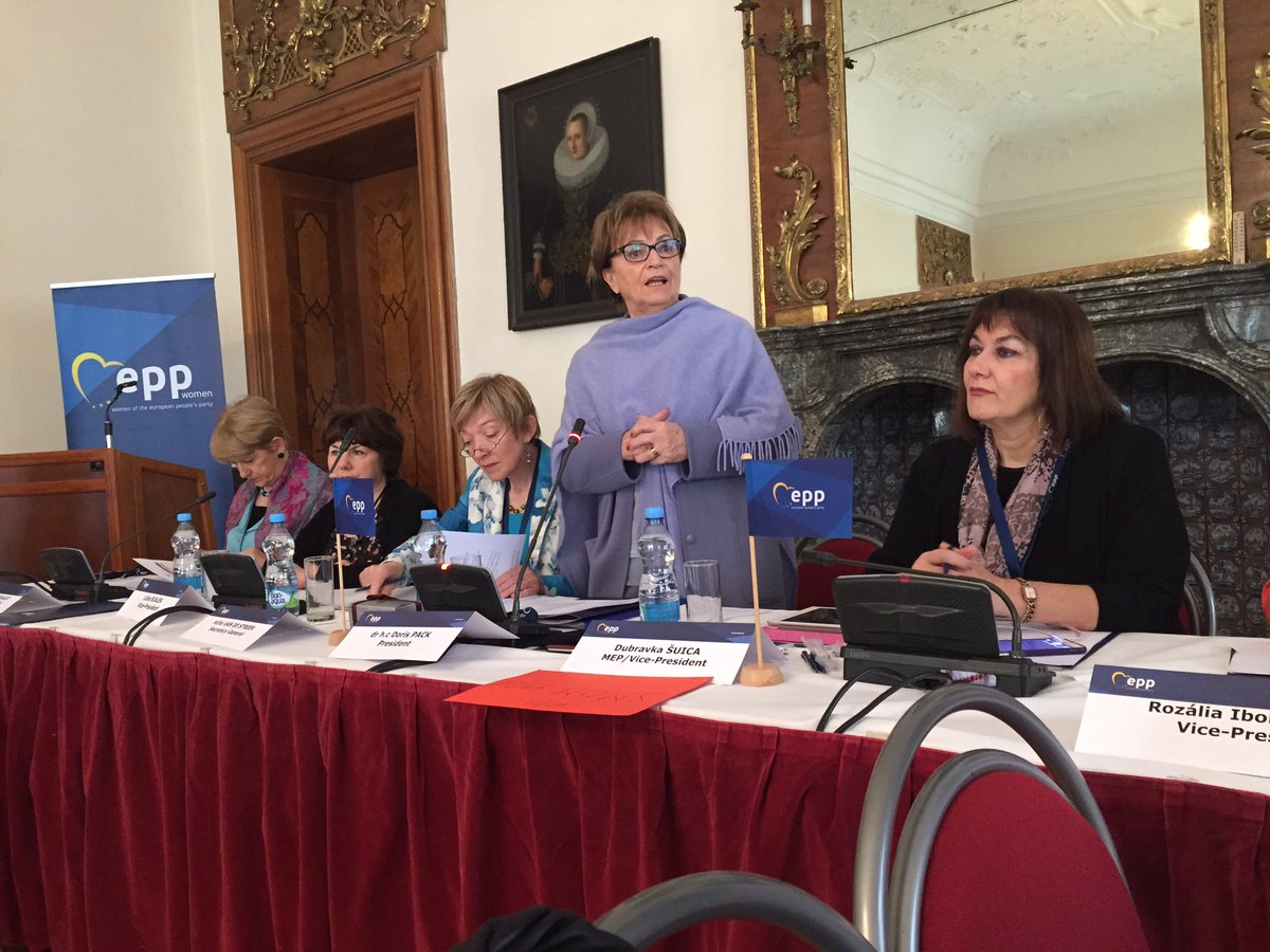 Start of our EPP Women&#39;s meeting in Prague: General Board, Colloque #Migration #Security #Safety #EPPW #CDAV <br>http://pic.twitter.com/6Q4cE5Ug7L