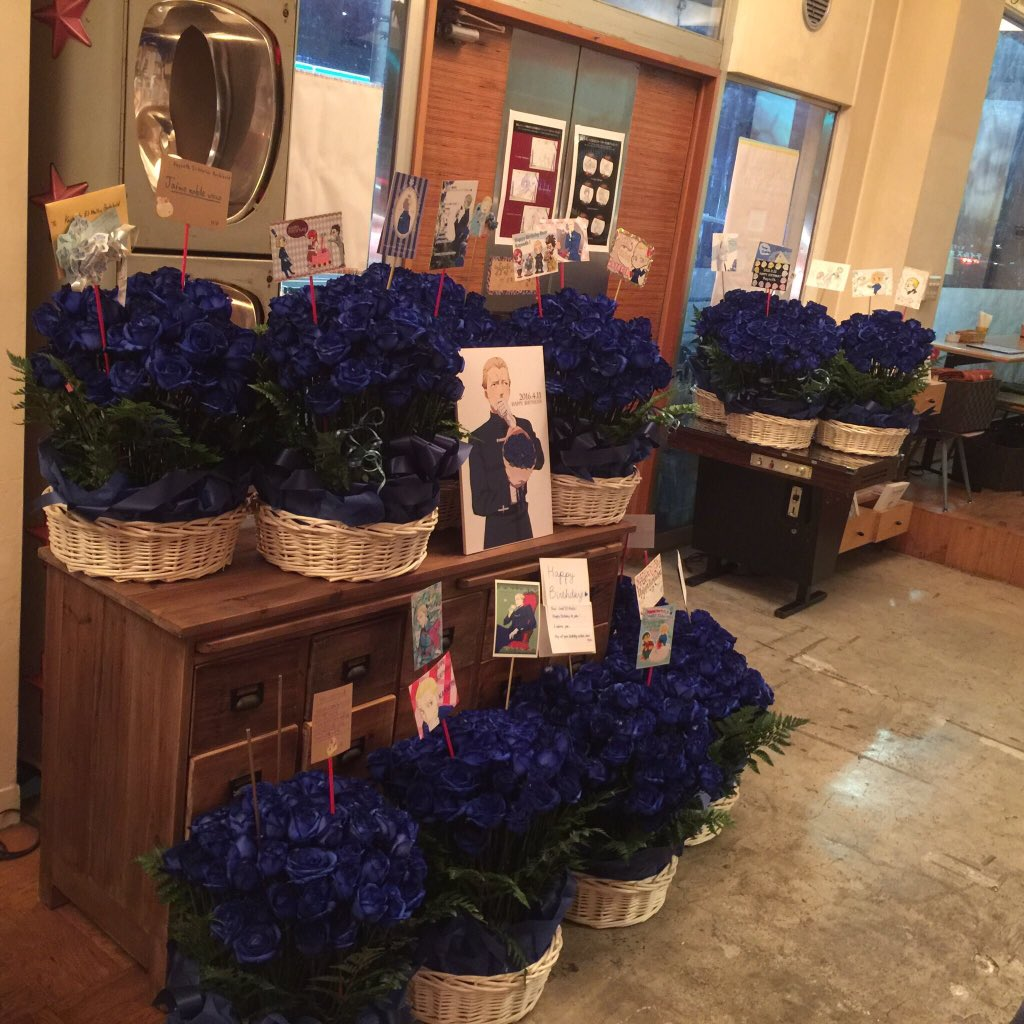 【ケイネスバースデー】 お客様からなんと!ケイネス宛の青い薔薇1000本!!!のプレゼントをお預かりしました。メッセージも合わせてご紹介していきますね。 https://t.co/xtbSm22LeB