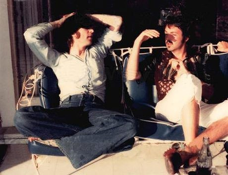 Last known photo of Lennon and McCartney together, 1974. Photograph by May Pang. https://t.co/rn8J1O6LLj