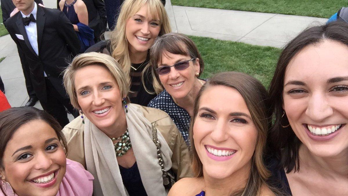 Lil @StanfordWBB reunion for @jayneappel wedding!