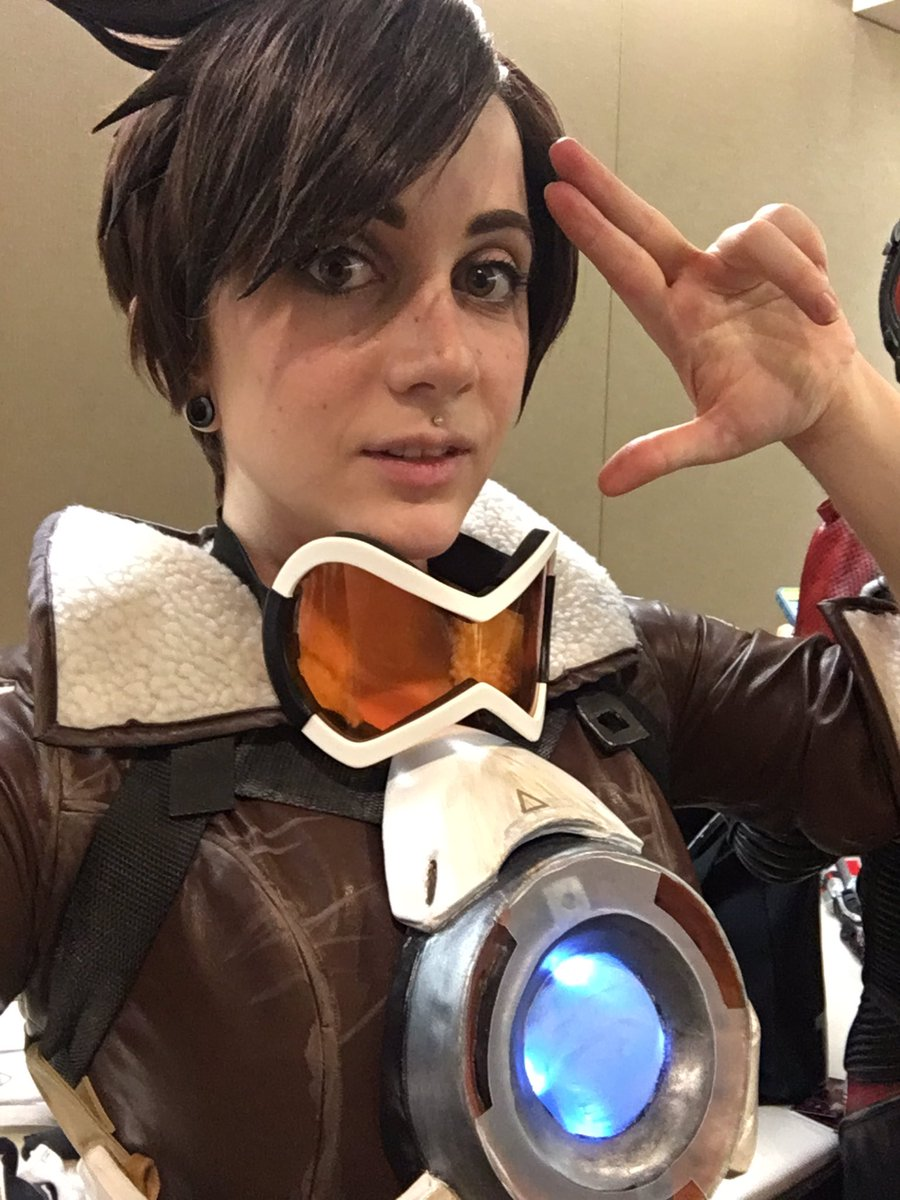 sirena pax west on twitter in tracer no goggles on my face