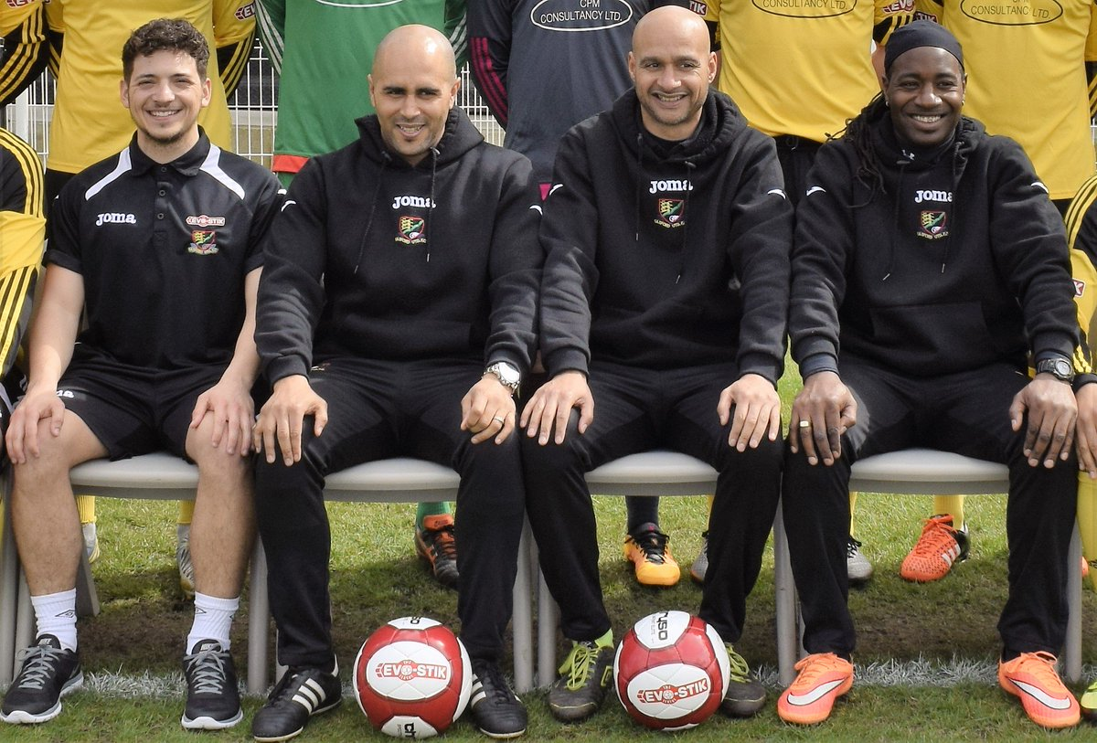 Basford United Fc On Twitter Manager Martin Carruthers Flanked By