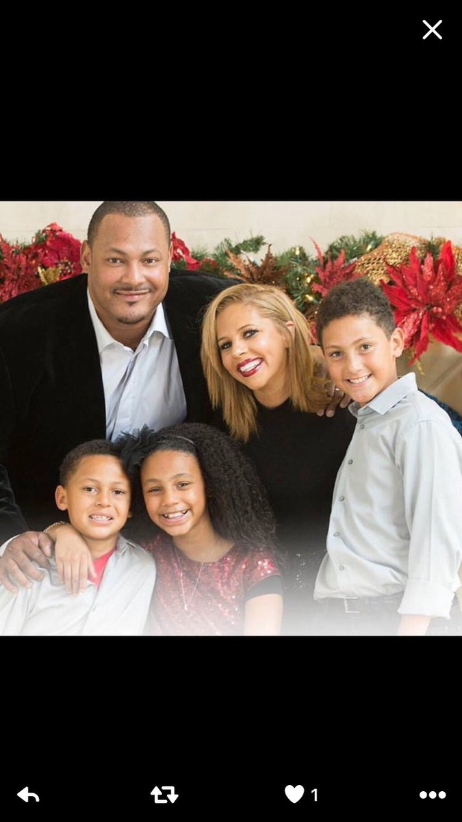 So sad about Will Smith Father of 3 kids Killed due to a senseless road rage incident Praying for him and his family https://t.co/qhOik1lOvq