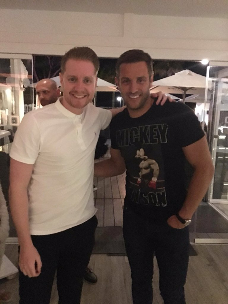 RT @Doccers08: Brilliant couple of nights in Olivia's this week. Thanks @elliottwright_ for the pic! https://t.co/n3piLCWgVD