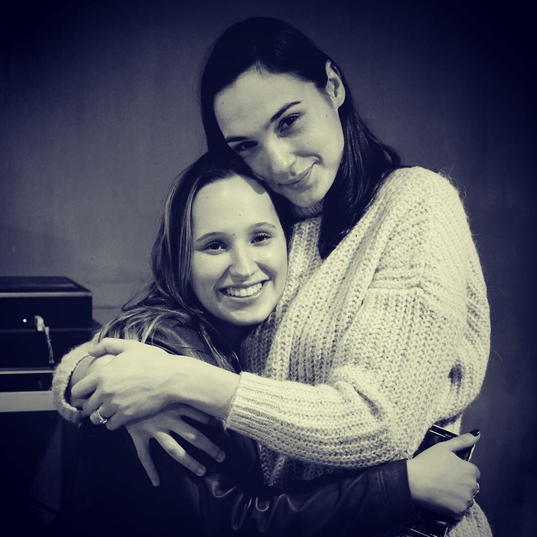 gal gadot on twitter missing you love xx nationalsiblingday sisters. Black Bedroom Furniture Sets. Home Design Ideas