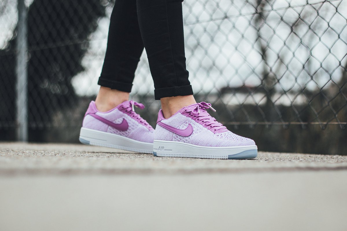 Nike Air Force 1 Flyknit fuxia