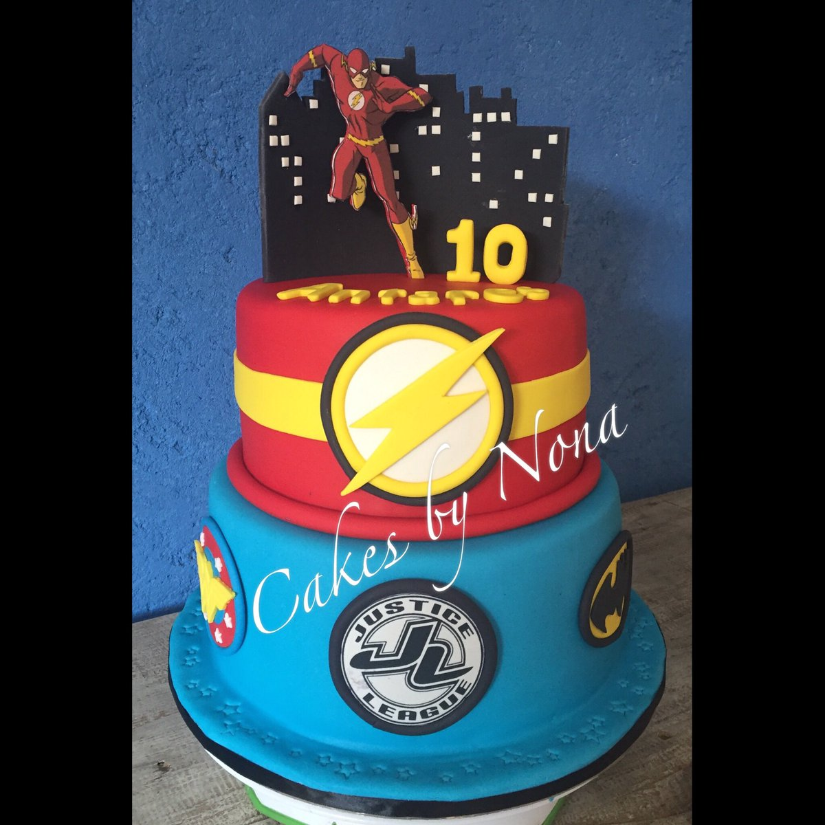 Excellent Cakesbynona On Twitter Justice League Bday Cake Justiceleague Funny Birthday Cards Online Kookostrdamsfinfo