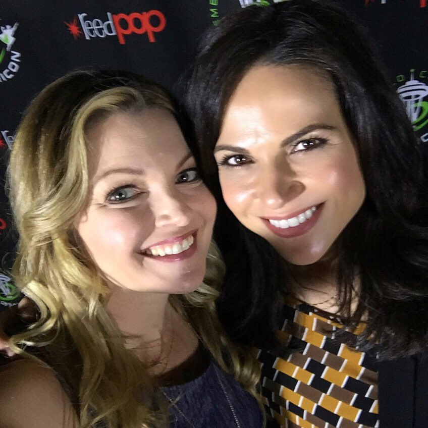 A personal highlights of the weekend, @LanaParrilla. Such a talented actress and endearing person! #ECCC #OUAT https://t.co/UQAdWEDOrJ