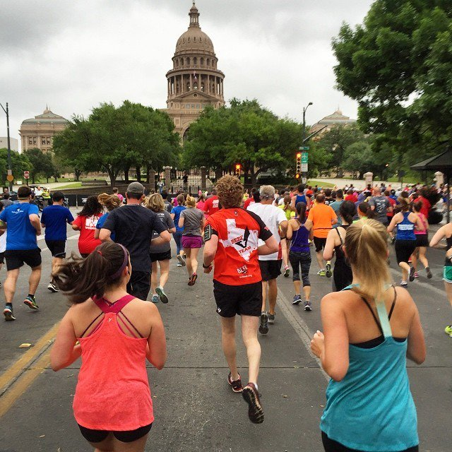 Out for a run with 20,000 of our closest friends #Cap10k (photo cred: @chriswacker44) #Tex… https://t.co/C1kKHbfXsu https://t.co/YN8k8f1fEj