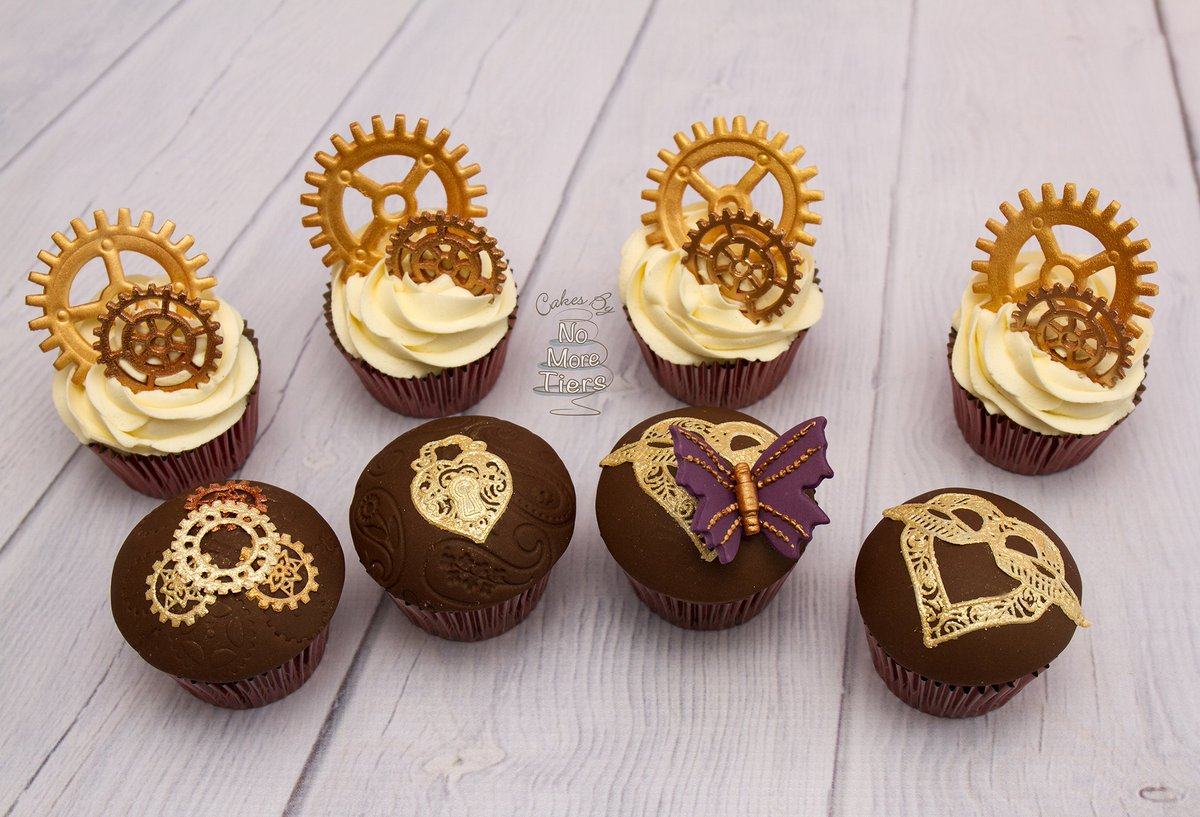 #Food Awesome of the Day: #Steampunk Themed #Cupcakes by British Award-winning Cake Maker @No_More_Tiers  #SamaFood