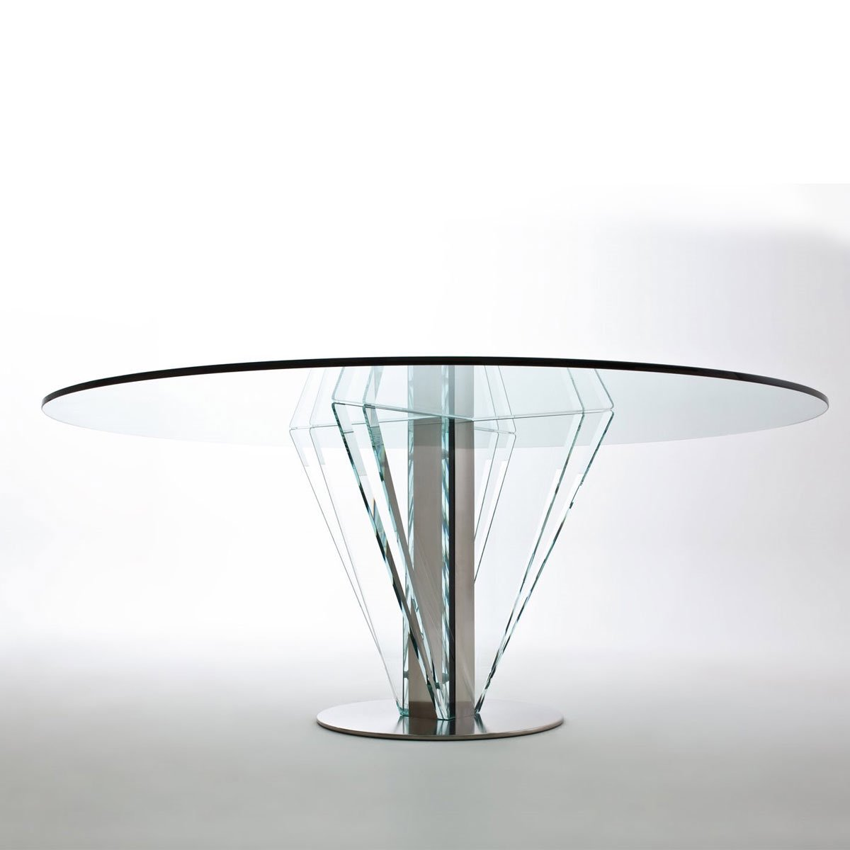 Vintage industrial vintageindustri twitter for Amazing glass dining table