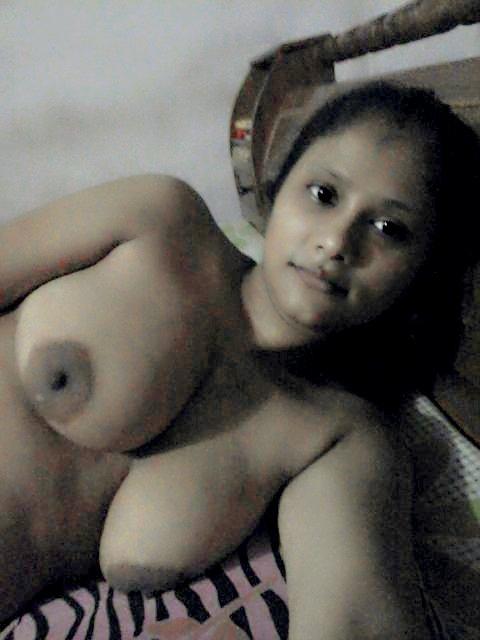 Nude Selfie 4808