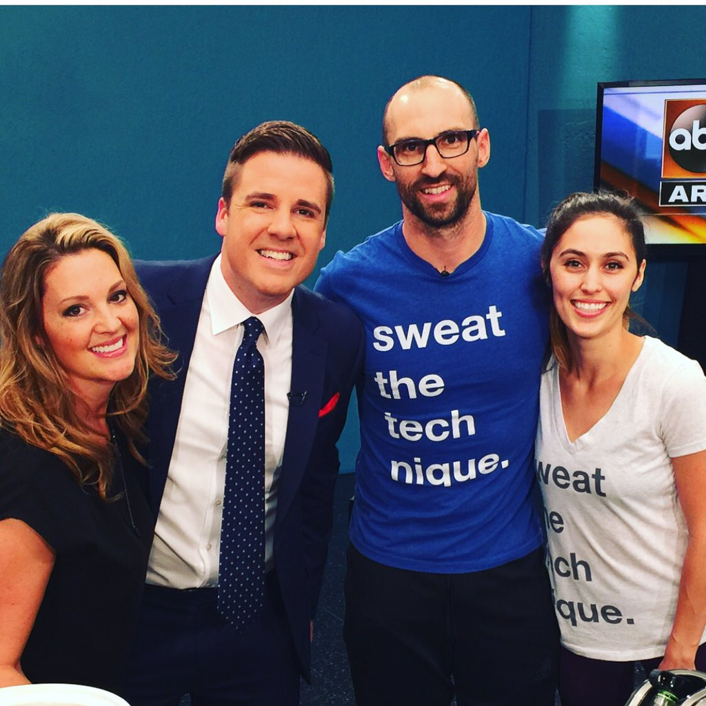 Another fun #MomMonday on @abc15! @DanSpindle @teamforty_four #mondaymotivation https://t.co/03z4D31FUu