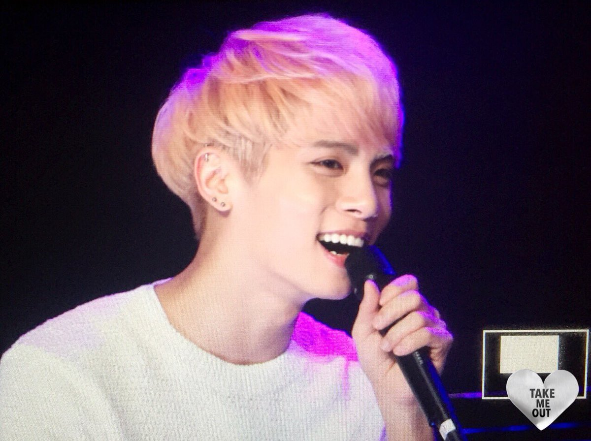 160426 Jonghyun @ MBC Live Concert - Blue Night Cg-AptAWwAA4a1M