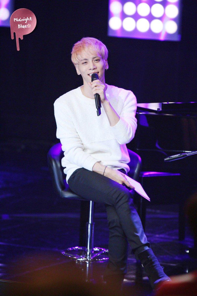 160426 Jonghyun @ MBC Live Concert - Blue Night Cg-BYDbWYAErlSi