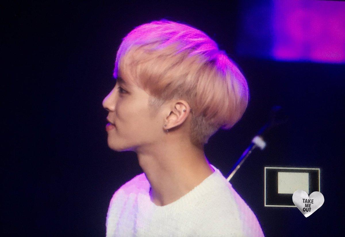 160426 Jonghyun @ MBC Live Concert - Blue Night Cg-IiliW4AAF1FX