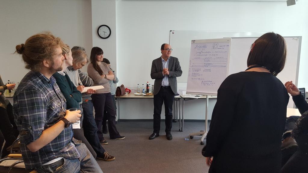 Spannende Ideen auf dem #SocialMedia Workshop bei #OpenUp #Museum. #opmu16 https://t.co/vZysQmYSAl