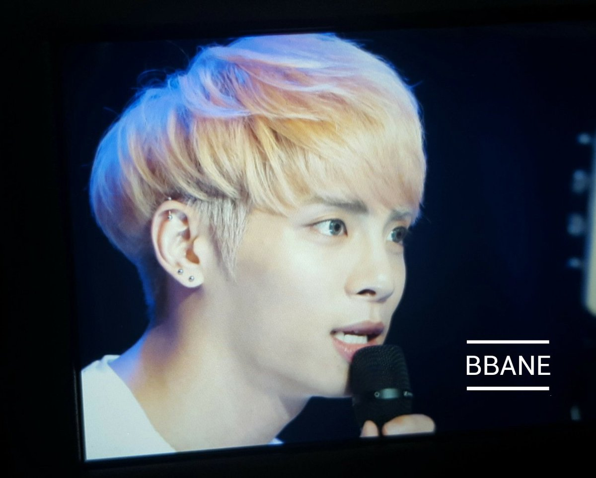 160426 Jonghyun @ MBC Live Concert - Blue Night Cg-T58EXEAEBwdl