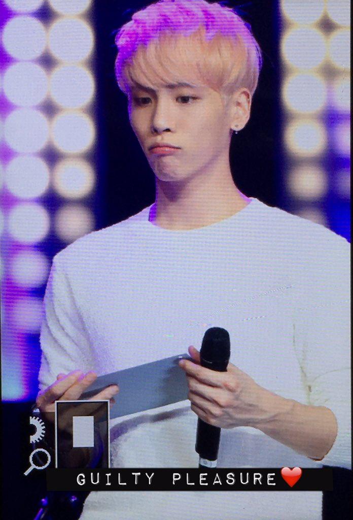 160426 Jonghyun @ MBC Live Concert - Blue Night Cg-WrvmUoAAxEDT