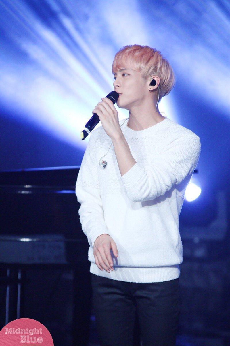 160426 Jonghyun @ MBC Live Concert - Blue Night Cg-YBDHUkAAPWED