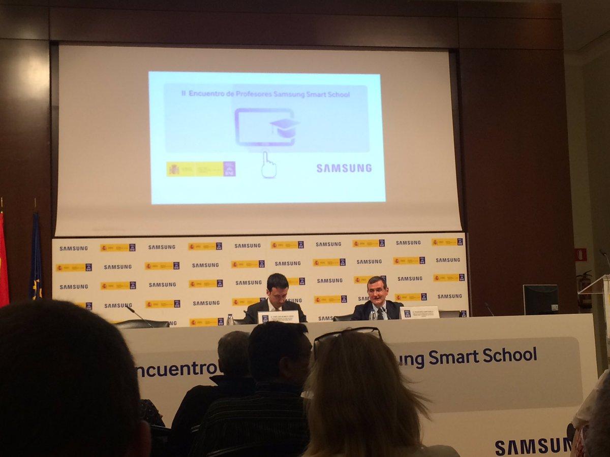 Comenzamos II Encuentro de profesorado #Samsungsmartschool https://t.co/lGy0RSPhyX