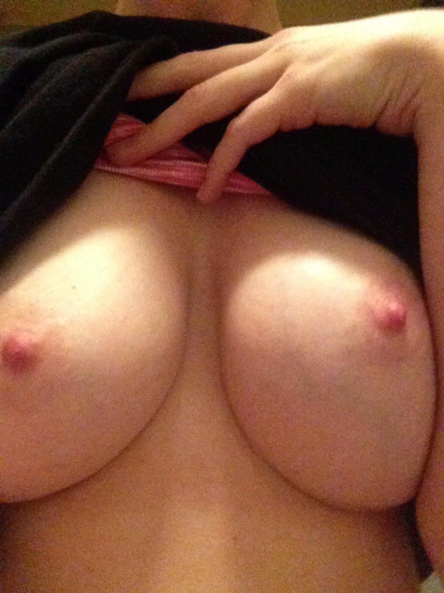 Nude Selfie 5053