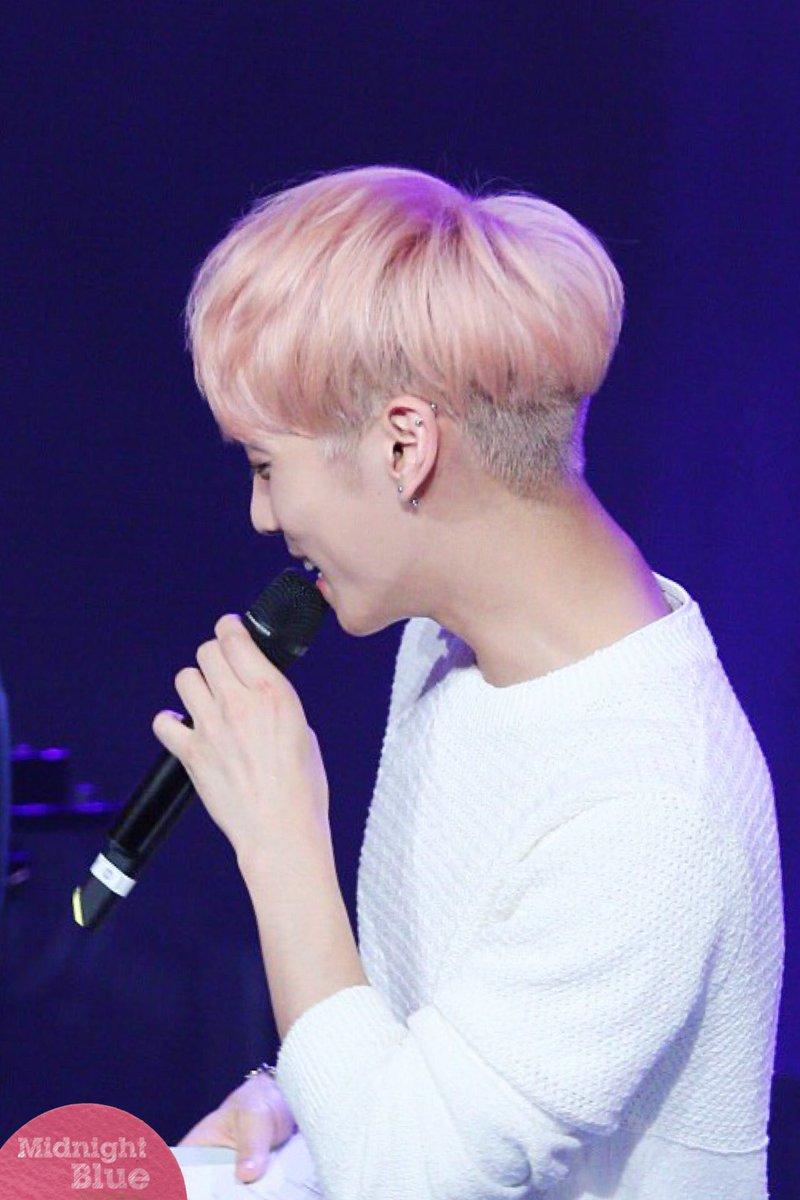 160426 Jonghyun @ MBC Live Concert - Blue Night Cg-iPKWUoAALRJK
