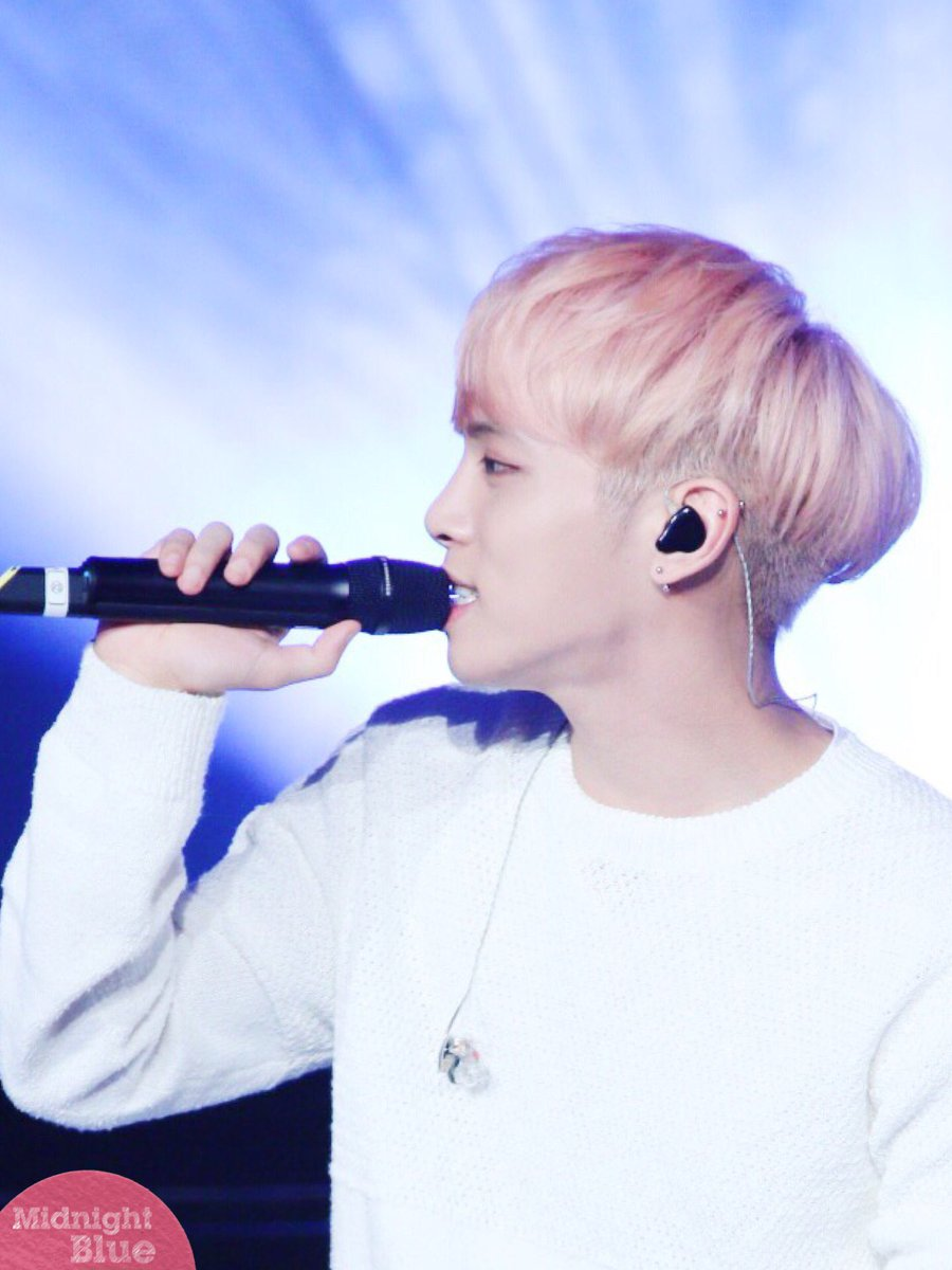 160426 Jonghyun @ MBC Live Concert - Blue Night Cg-iPKaU8AEzlgf