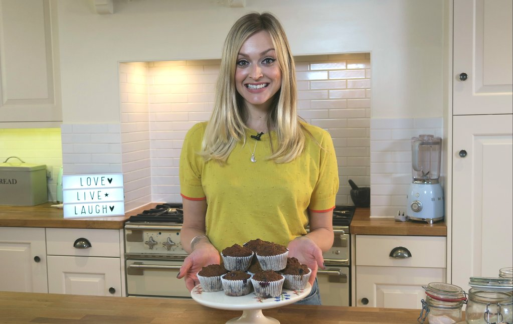 RT @PrettyUpfront: The first film from #FearnesHappinessProject is here! @Fearnecotton bakes blueberry muffins: https://t.co/bF953fsTg2 htt…