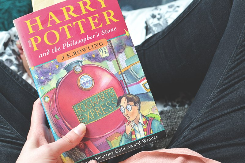 comparison of harry potter and the philosophers stone and aice in wonderland essay This essay explores the concepts of fantasy in lewis carroll's 'alice in wonderland' and j k rowling's 'harry potter and the philosopher's stone' in comparison carroll takes his heroine alice into wonderland, a world where logic is turned upside down.
