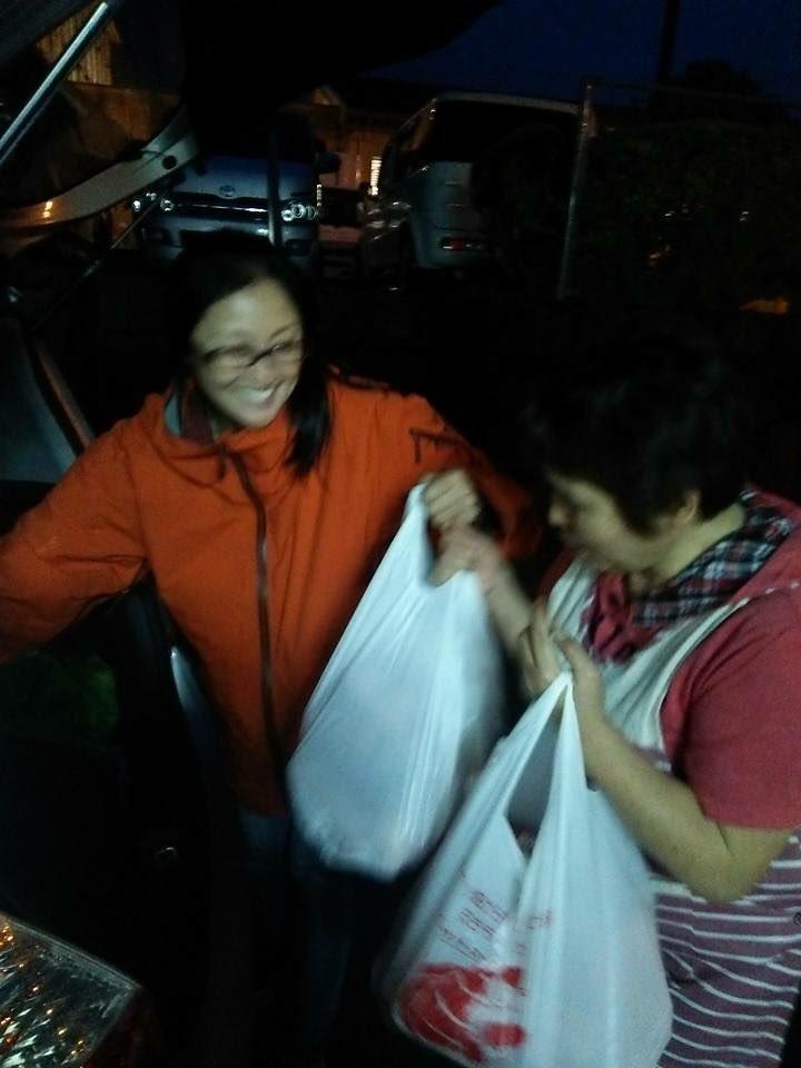 井上晴美さん地元の障害者支援施設に炊き出しの材料を届けてる。大変な場所を知ってるから、出来る支援。 https://t.co/9lhwSj7Gcj