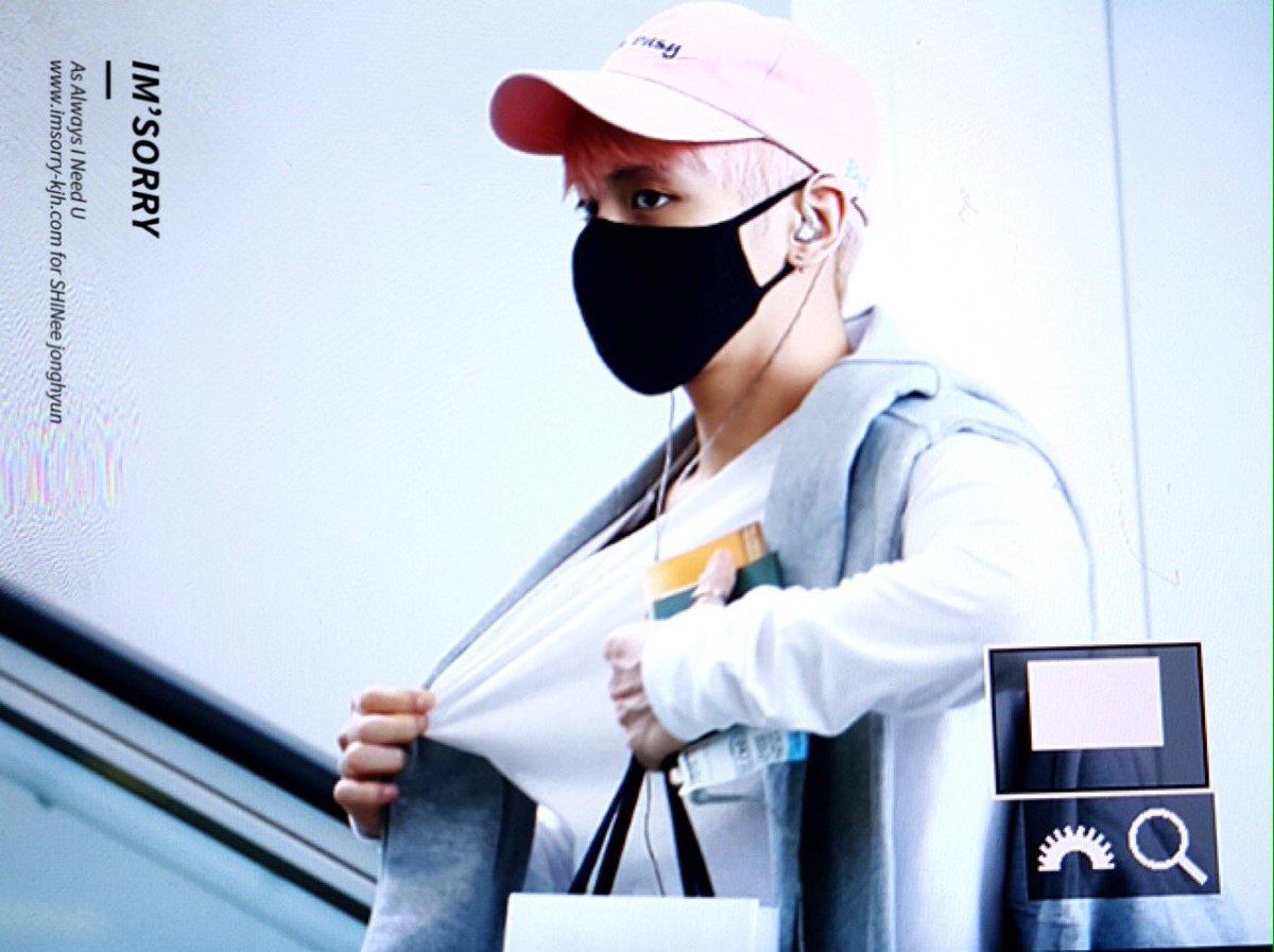 160425 Jonghyun @ Aeropuerto de Incheon {Llegada a Corea} Cg3NPejUUAAAwgJ